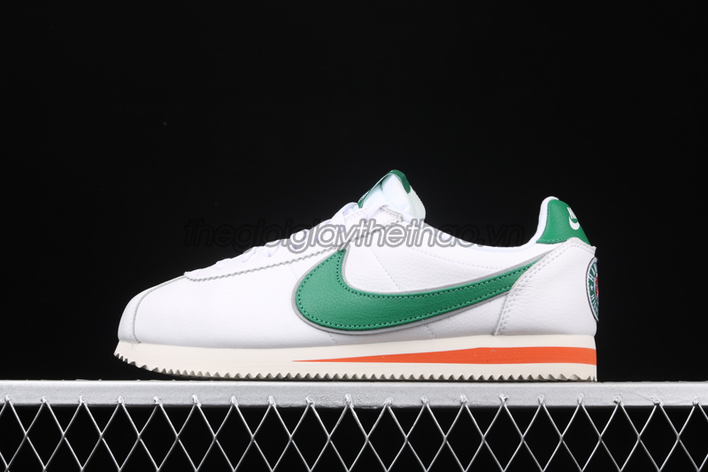 "Giày Nike Cortez ""Hawkins High School"" x Stranger Things 3"